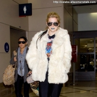 5 Photos of Ke$ha's Blue Lips ...