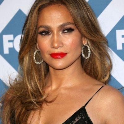 Jennifer Lopez Flaunts Hot Bod for Self Magazine. She's Still Got It! ...