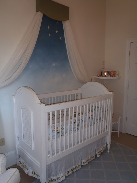 Starry night 7 fantastic gender neutral nursery themes for Baby cot decoration ideas
