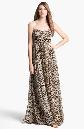4. Animal Print - 7 Unique Ideas for Your Bridesmaid Dress ... → 👰…