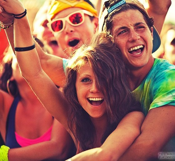 are concerts a good place to meet girls