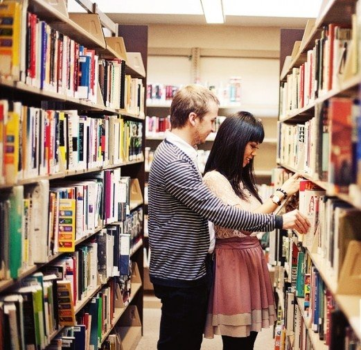 how to meet a girl at bookstore