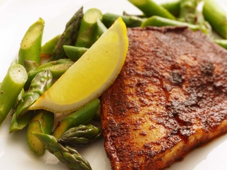 Chili Rubbed Tilapia with Asparagus and Lemon