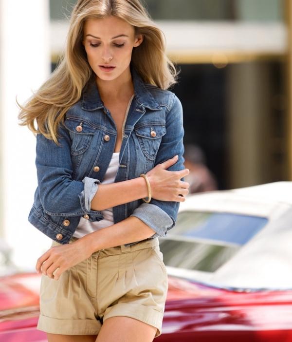 With Khakis/ Corduroys - 7 Fabulous Ways to Wear a Denim Jacket…
