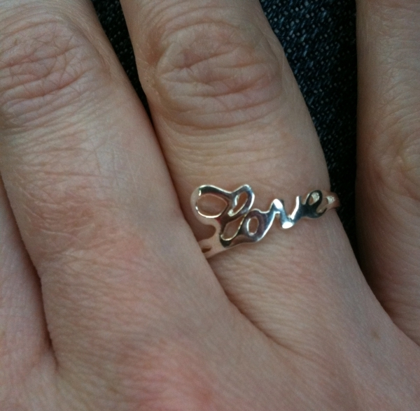 1 love script - Creative Wedding Rings