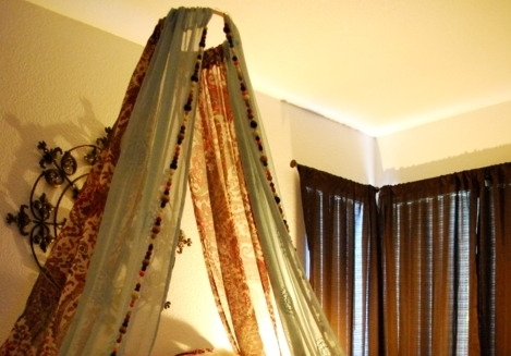The hoop DIY canopy idea above was for a little girlu0027s bed. This time we give you an option for modifying that DIY in a way that will be perfect for your ... & Hoop II - 13 Gorgeous DIY Canopy Beds ... DIY