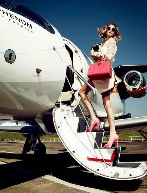 Luxury Woman On Airplane : Ways to travel like a jetsetter