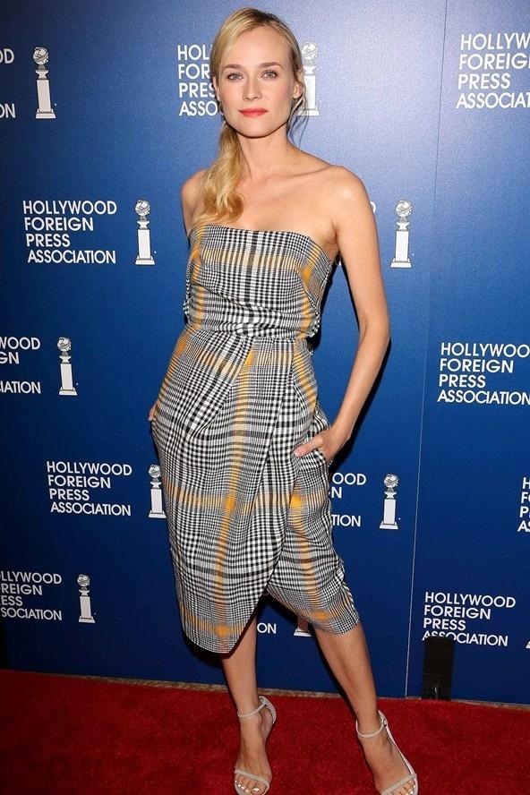 Diane Kruger menggunakan motif Tartan dengan warna yang soft dengan membuatnya menjadi gaun pendek tanpa lengan, ternyata menjadi gaun pendek yang bagus dan ...