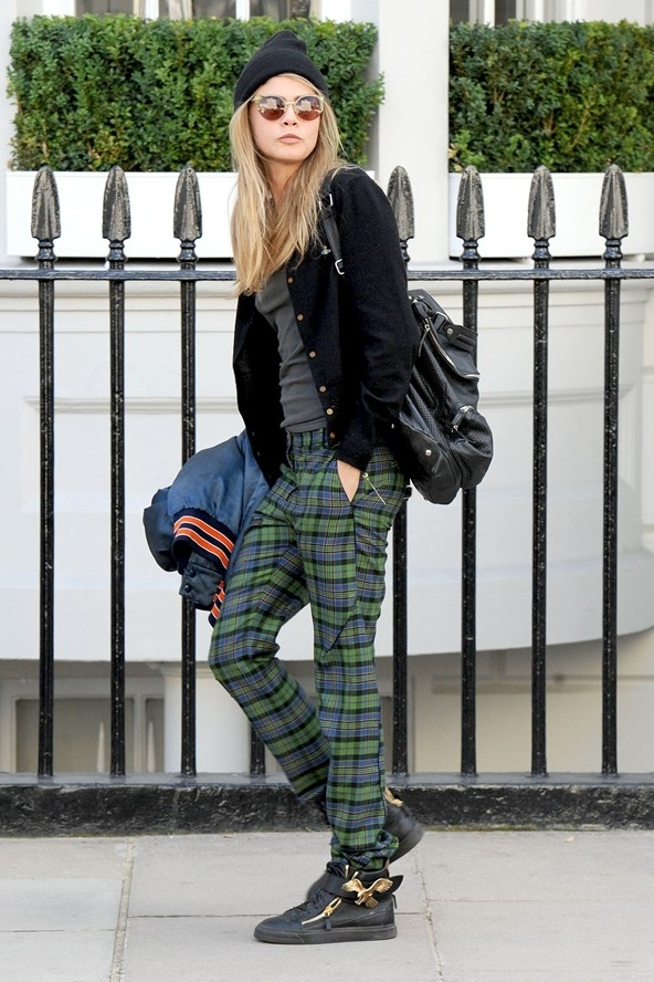11 Celebrities Wearing the Tartan Trend – Who Wore It Best? ... → 👑…