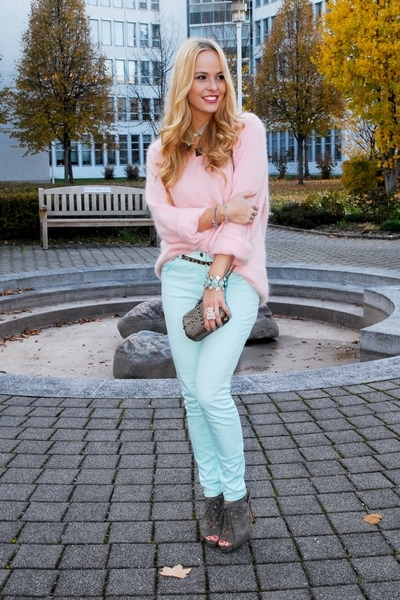 Big Fluffy Sweaters - 7 Easy to Pull off Autumn Trends You'll…