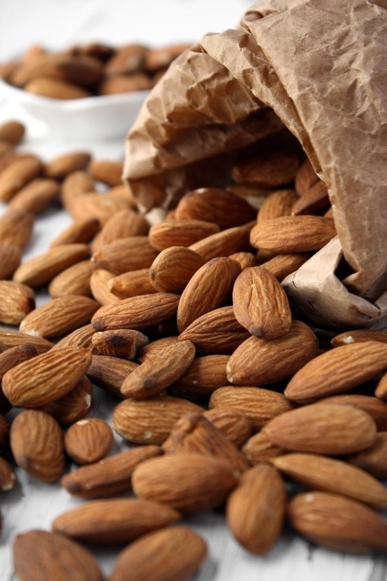 how to make almond oil for skin