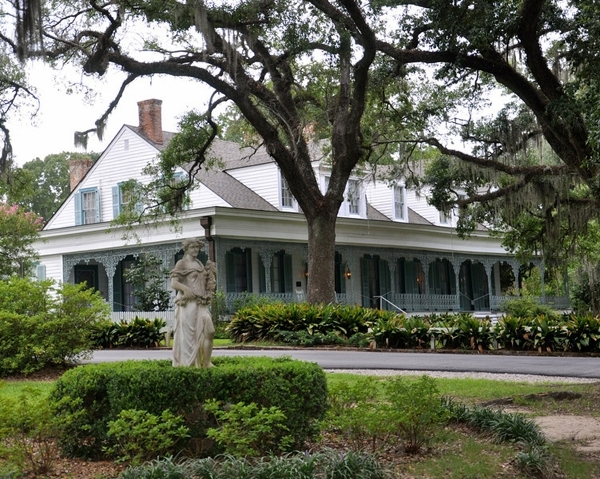 Get Spooked at Myrtle's Plantation