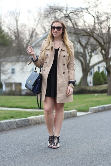 Classic Trench Coat and the LBD - 9 Street Style Ways to Wear a…