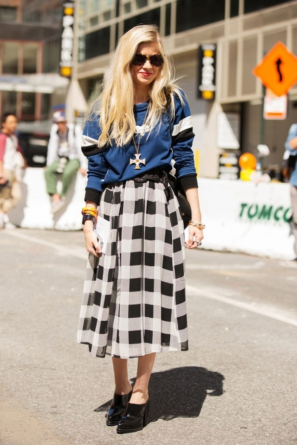 Oversized Gingham 9 Cute Skirt And Sweater Street Style