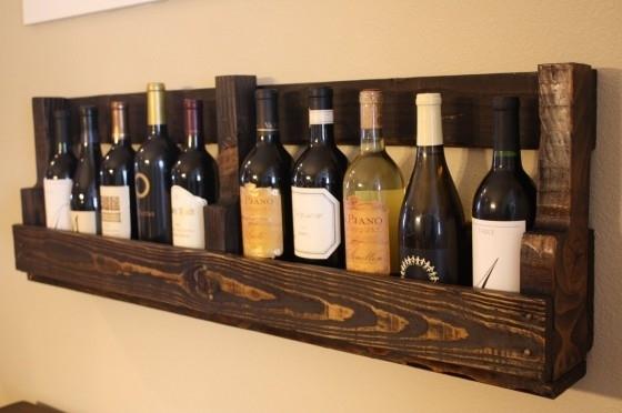 Pallet shelf 15 easy diy wine racks to make for Easy wine rack