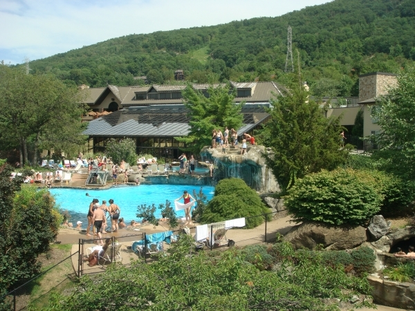 mineral springs women Hot springs & spas t ake to the waters of virginia's relaxing hot springs and spas signature services include the 1766 mineral bath and mineral springs mud wrap.