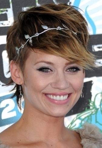 7 stylish suggestions on styling a pixie cut hair one of my personal favorites in styling a pixie cut is to wear it messy and top it off with a headband urmus Image collections