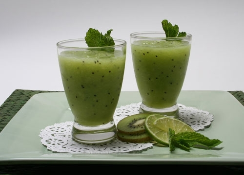 Kiwi and Honeydew Smoothie