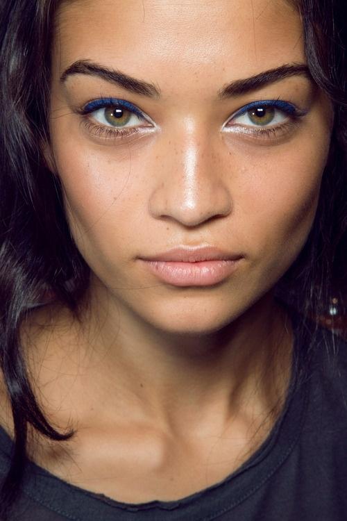 White Liner - 17 Makeup Tricks for Brown Eyes ... Makeup