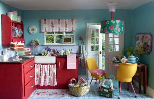 Dollhouse 17 super cool ways to reuse shoe boxes for Cath kidston kitchen ideas