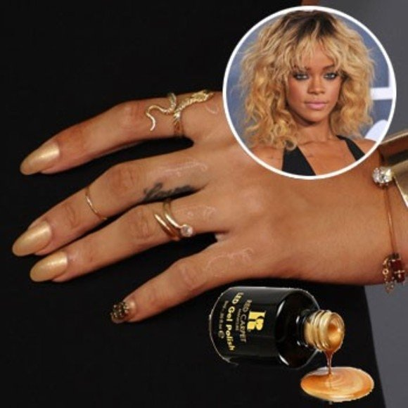 Beyonce pointy nails