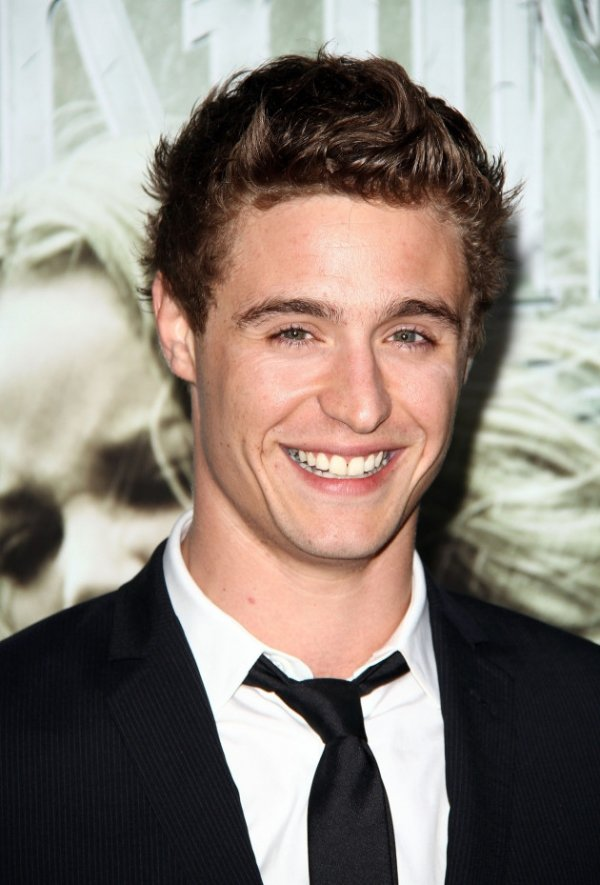 Max Irons - 7 Hottest Sons of Celebrities That You Need to ...