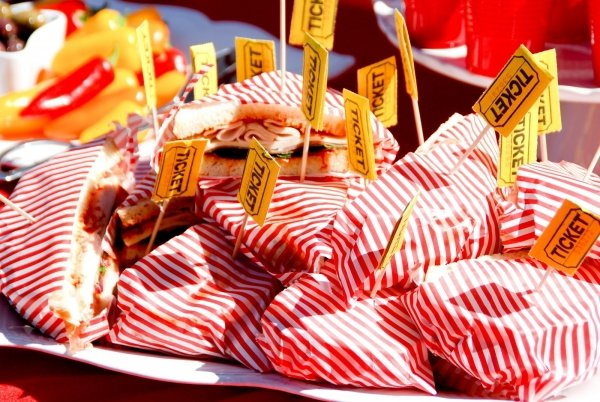 Carnival food 7 fun ways to create a carnival themed birthday - Carnival foods ideas ...
