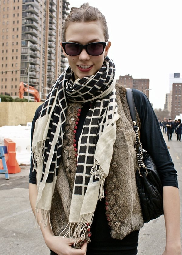 7 Cute Ways to Tie Scarves This Winter ... Fashion