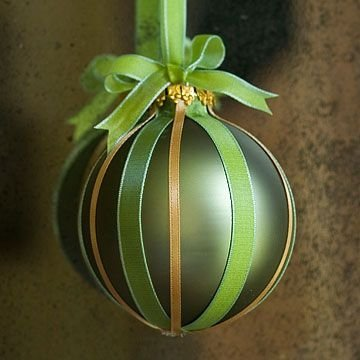 Ribbon Bauble