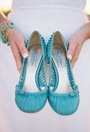 footwear,shoe,turquoise,aqua,product,