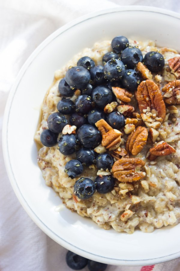 Oatmeal with Blueberries and Honey