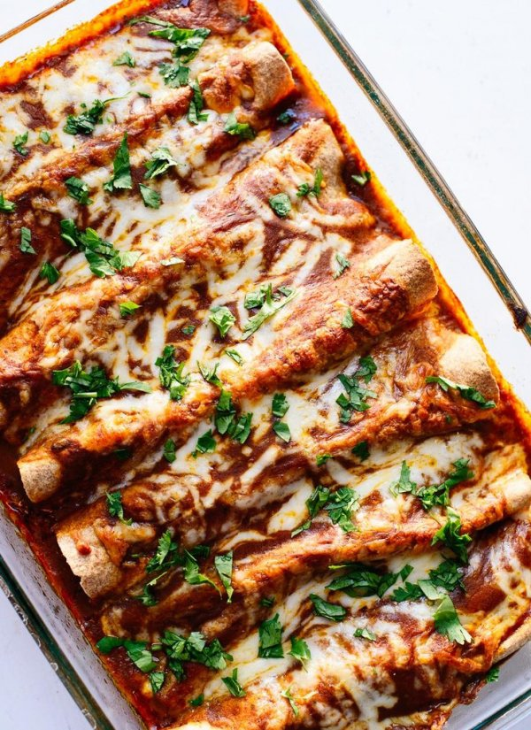 Delicious Veggie Black Bean Enchiladas - Girls Who Are Going…