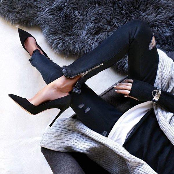 clothing, fur, footwear, leg, outerwear,