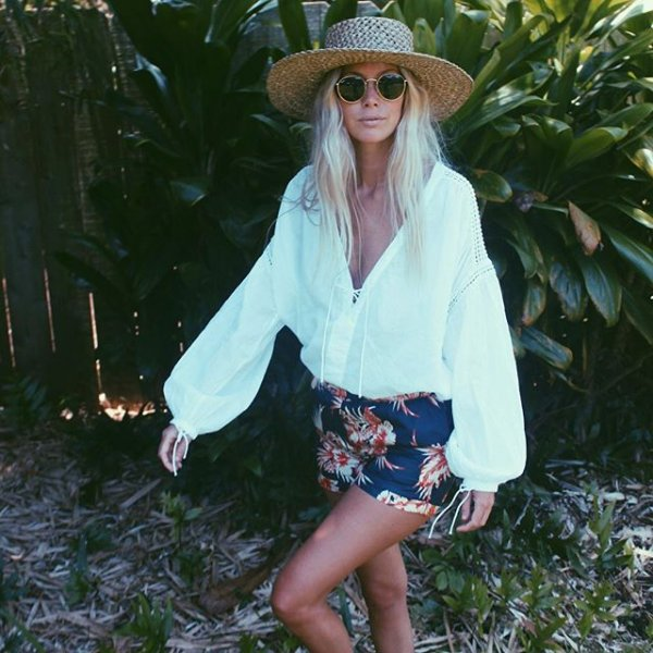 clothing, beauty, footwear, costume, sunglasses,