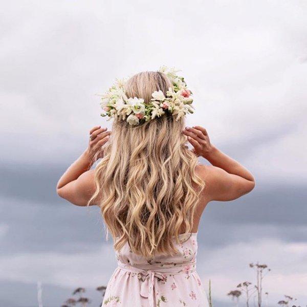 hair, hairstyle, portrait photography, flower bouquet, flower,