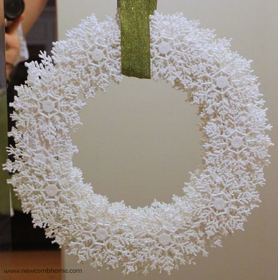 Snowflakes All over - 31 Front Door Worthy Winter Wreaths You Are…