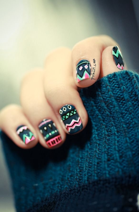 nail,finger,color,blue,black,