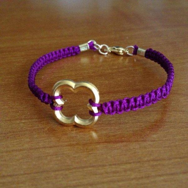 KNOTTED QUATREFOIL BRACELET - 30 Amazing DIY Bracelets You ...