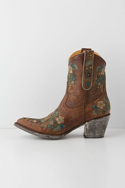 footwear,boot,brown,leather,cowboy boot,