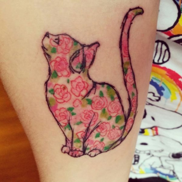 tattoo,arm,organ,leg,pattern,