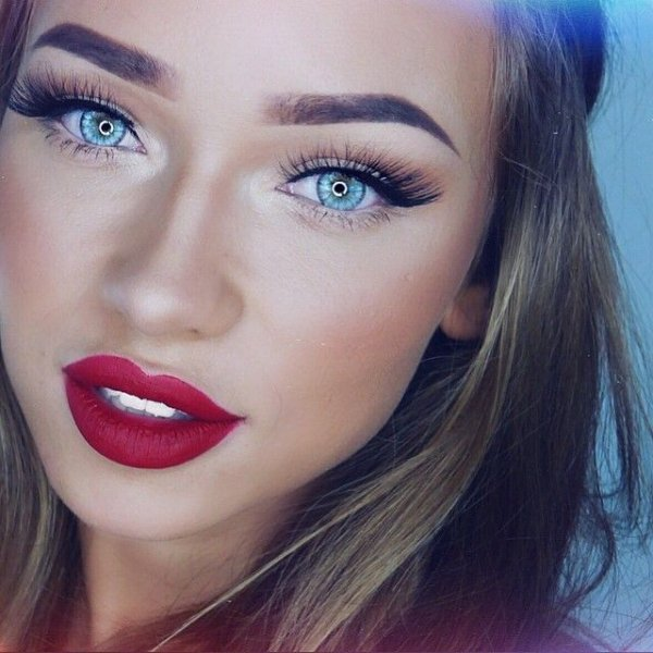 color,eyebrow,face,blue,red,