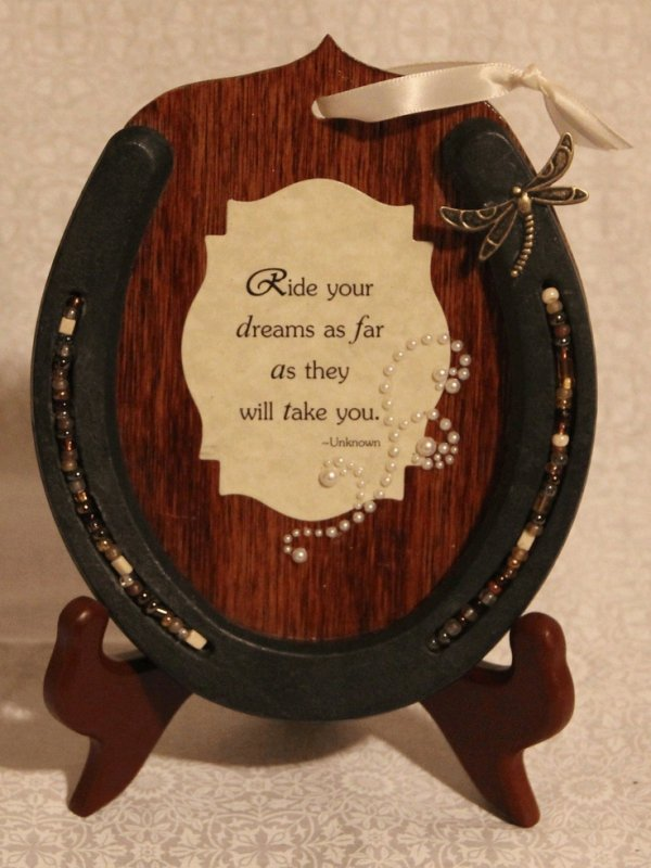 Add a quote 37 horseshoe crafts to try your luck with for Wooden horseshoes for crafts