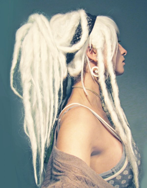 hair,blue,hairstyle,blond,beauty,