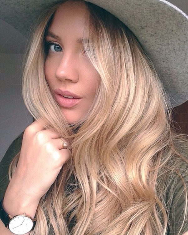 hair,human hair color,blond,face,clothing,