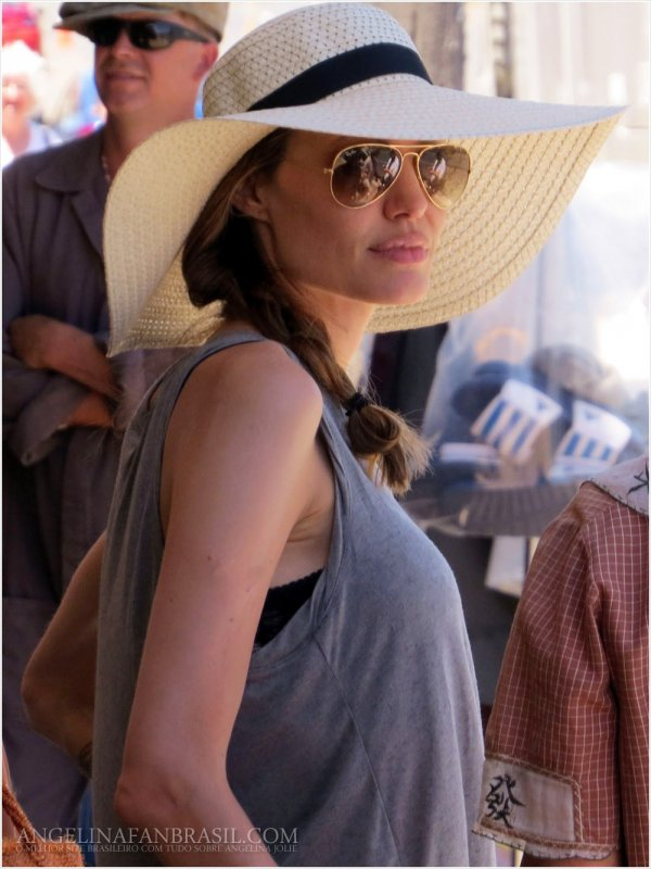 Angelina Jolie Keeping It Casual