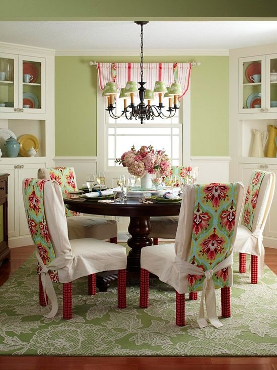 Sage and raspberry 7 surprising paint color combinations for Dining room color scheme ideas