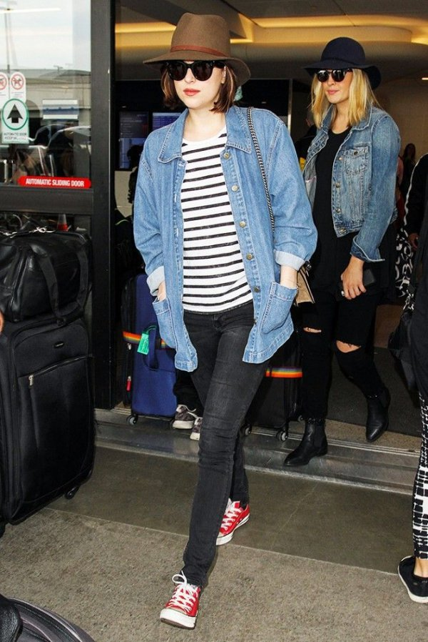 Dakota Johnson Wears an Airport Outfit so Popular with Numerous Celebs