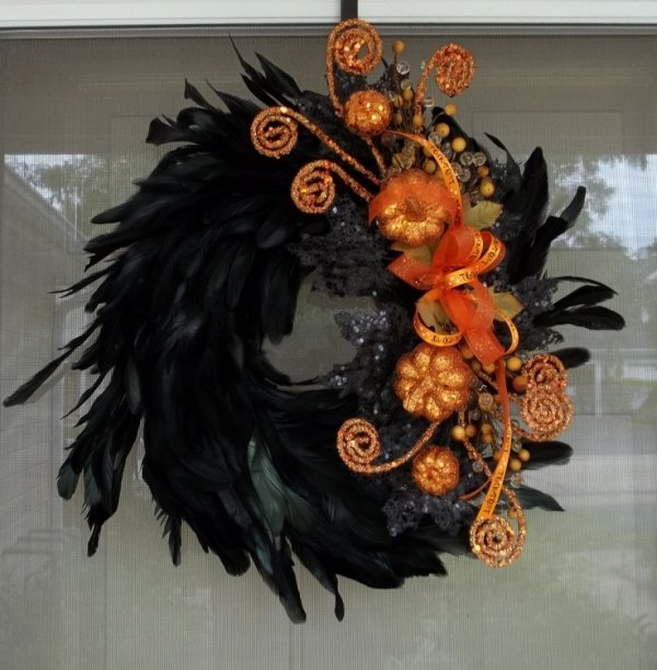Black Flower And Crow Halloween Wreath: 36 Outstanding Fall Wreaths You Can Make…