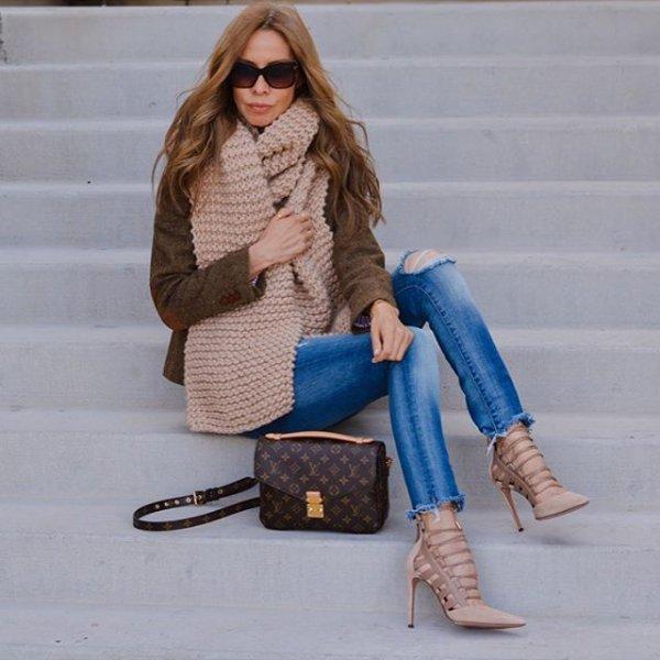 clothing, footwear, outerwear, fur, fashion,