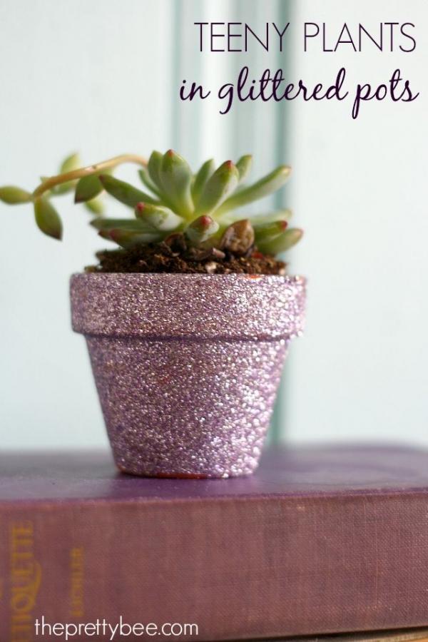 DIY Glittered Pots